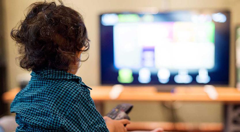 ¿Cuánto tiempo pueden ver la tele los niños?